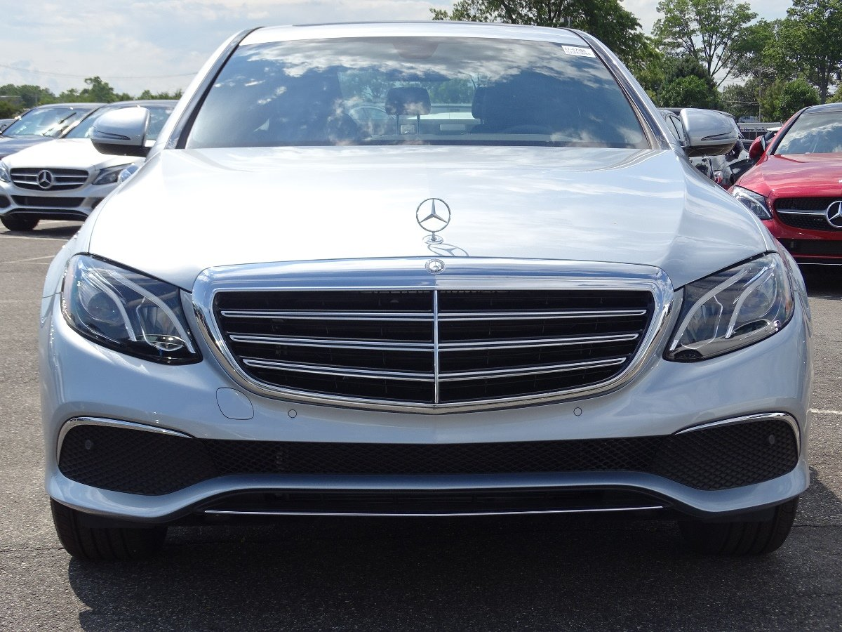 New 2017 mercedes benz e class e 300 luxury 4dr car in for Mercedes benz roslyn